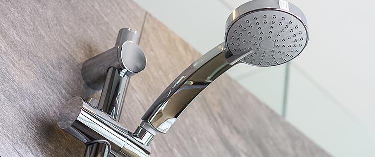 installation douche pas cher à Pau